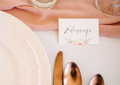 festett-esküvői-meghívó-gittagrafika-1