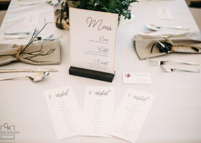 festett-esküvői-meghívó-gittagrafika-2