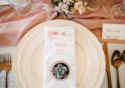 festett-esküvői-meghívó-gittagrafika-8